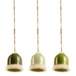 Esschert Design Grüntöne Futterglocke sortiert aus Ton/Hanfseil, 10 x 10 x 10,8 cm, Futterstation für Vögel, Vogelfutter-Glocke