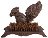 Esschert Design Schuhabstreifer, Fußabtreter Motiv Eichhörnchen aus Gusseisen mit Bürste, ca. 25 cm x 16 cm x 18 cm