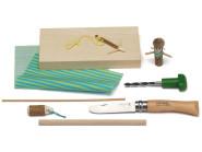 Kosmos Bastelbox SCHNITZEN, Opinel-Kinderschnitzmesser No. 7 Holzbohrer mit Griff, Lindenholz-Block, Kleinteile