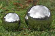 Set: 2 Stück Dekokugel, Gartenkugel Galaxy in silber aus Edelstahl, Ø ca. 9 cm und 13 cm