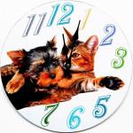 Tinas Collection runde Wanduhr mit dem Motiv Hund mit Katze, Ø 34 cm