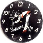 Tinas Collection runde Wanduhr mit einem Pinup Girl Motiv, 30 cm Ø