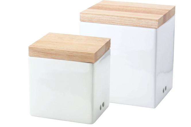 Continenta 2er Set Vorratsdosen für Zwiebeln und Knoblauch, mit Holzdeckel, seitl. Belüftung, 14 x 12 x 15,5 cm und 18 x 15,5 x 20,5 cm, Set by Danto®