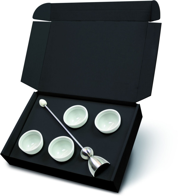 Take2 Clack Eierschalensollbruchstellenverursacher mit Ø 4 cm, inkl. 4 Cupido Eierbechern, in Geschenkbox